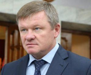 У семи нянек: мэр Саратова Михаил Исаев бьет рекорды по замам