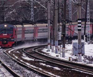 Электричка «Сенная-Балаково» остановилась, не доехав до Саратова, пассажиры провели в холодном поезде около часа