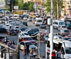 Качество жизни: в Саратове – не припарковаться, в Балаково – не проехать
