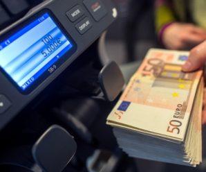 Клиенты российских банков вывели $4,5 млрд валюты с долгосрочных вкладов