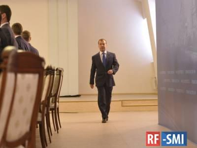 Медведев поставил ультиматум российским нефтяникам