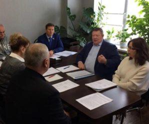 Рабочая группа по возвращению активов саратовского авиазавода оспорит постановление Аксененко 20-летней давности