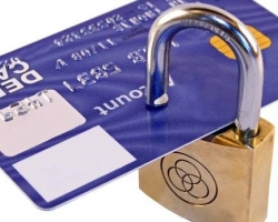 Банки стали требовать от клиентов обосновать переводы на тысячу рублей