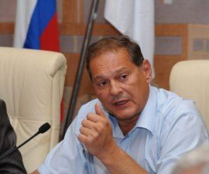 Энгельсский глава Александр Стрелюхин ищет себе сразу двух новых замов